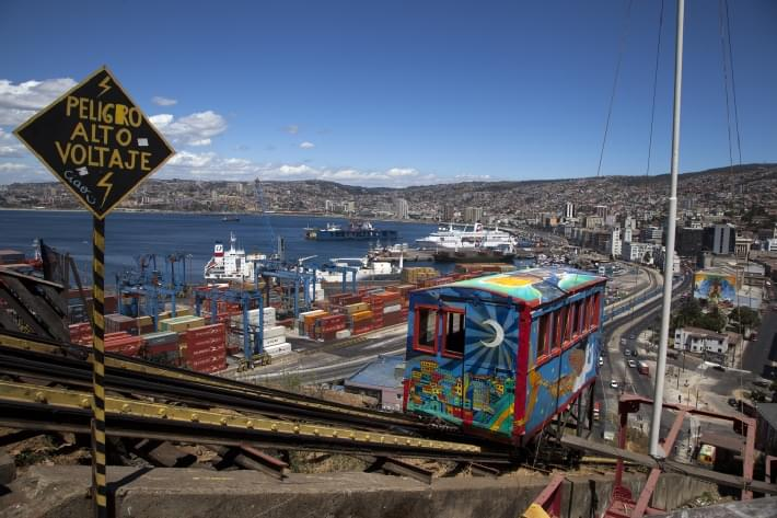 Valparaiso, Funicular by Louis Aguirre